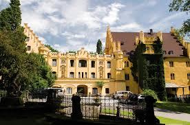 Institut Schloss Brannenburg Gebäude